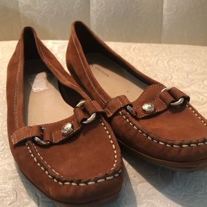 AK brown loafers